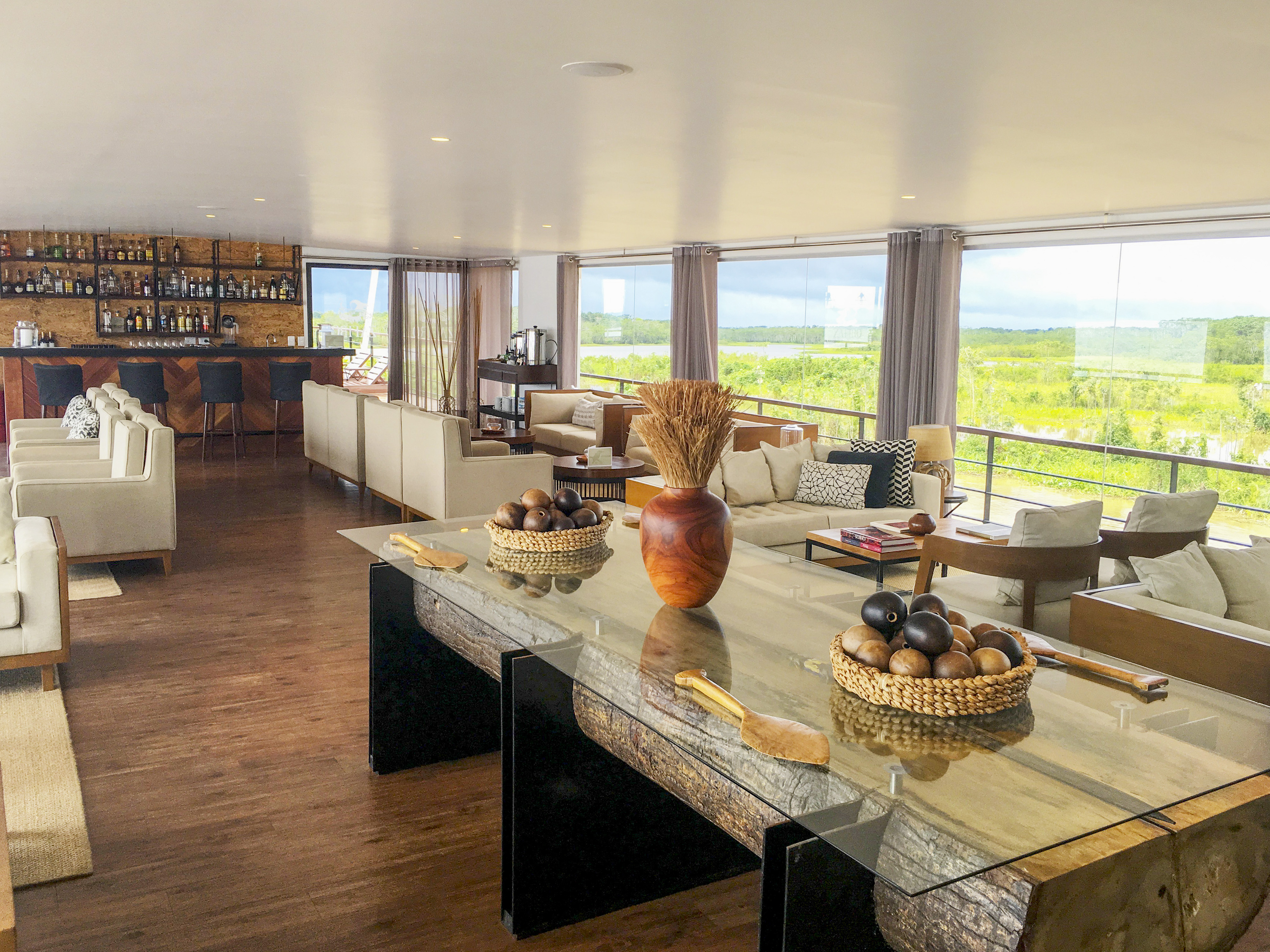 zafiro-Indoor-Lounge-2